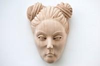 Maske aus Lindenholz - tragbar